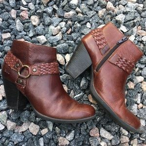 B.O.C Leather Brown Boots with braid Size 7